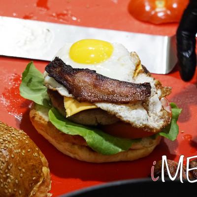 https://www.imeat.it/img/61604f66adc7e5.41042103-1633701741/big/iMEAT2021_showcooking-hamburger.jpg